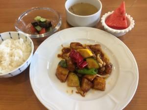 夏野菜とポテト、若鶏もも肉の味噌炒め