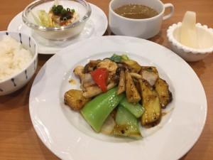 秋野菜と国産鷄の豆豉醬炒め