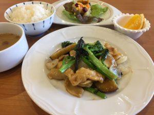 季節野菜と国産鶏の豆豉醬炒め