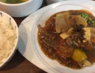 揚げ豆腐と豚そぼろの四川芽菜煮込み