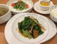 豚そぼろと旬の青菜の旨味炒め