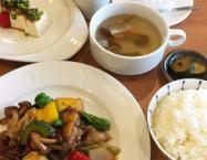夏野菜と豚肉の豆豉醬炒め